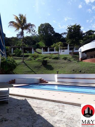 finca de recreo en copacabana-día de sol