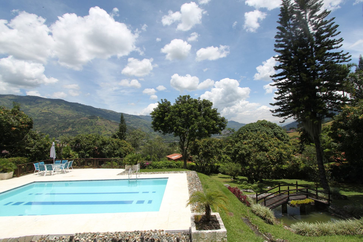 finca en copacabana 6.430 m²