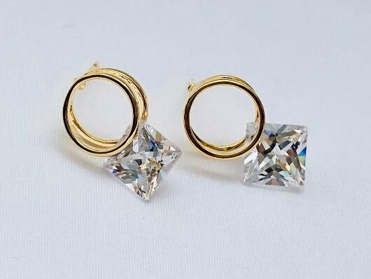 f070c6e67df6 Fino Detalle Aretes Baño Oro Laminado 18k Zirconia Diamante ...