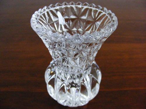 fino florero o violetero de grueso cristal. decoración #1