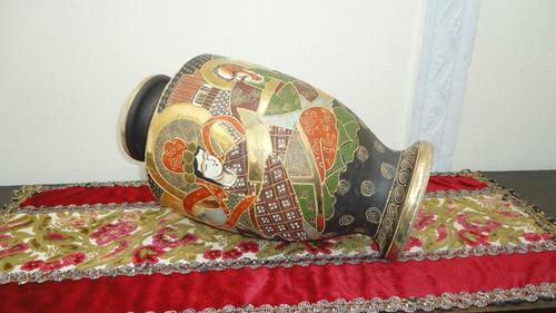 fino jarron florero satsuma antiguo decorado con oro vealo