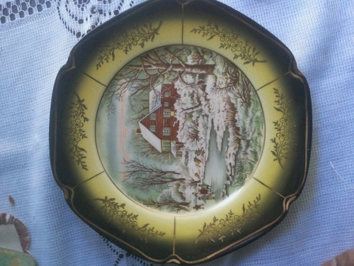 fino plato con detalles en dorado-sellado-20 cm