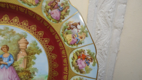 fino plato porcelana alemana antiguo con escenas vealo