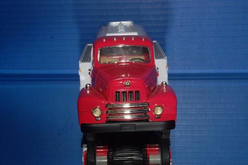 first gear camión tanquero international r-190 de 1957