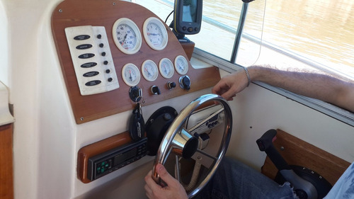 fisher cabin 710 con mercruiser 4,3 mpi 220 hp