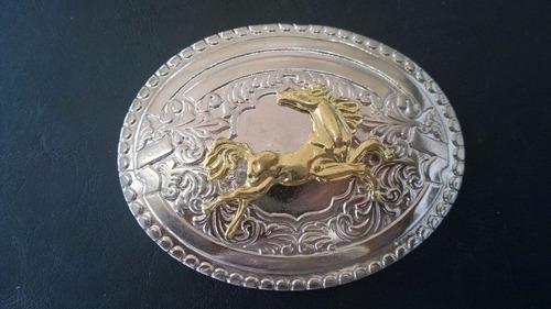 fivela grande country cowboy cavalo cavalgada