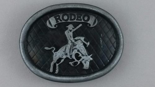 fivela preta rodeio cód.: 909