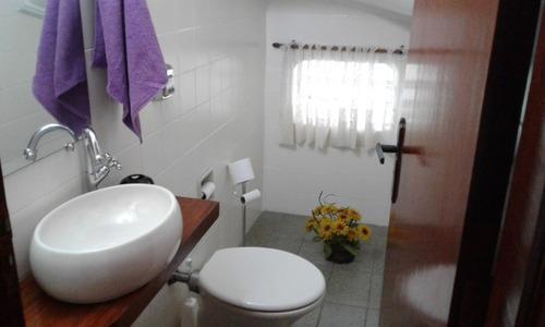 fl13-sobrado com 3 suites condomínio fechado