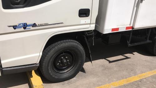 flamante camion jmc 2015 se puede manejar con licencia b