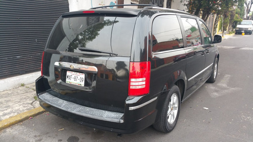 flamante town and country super lujo