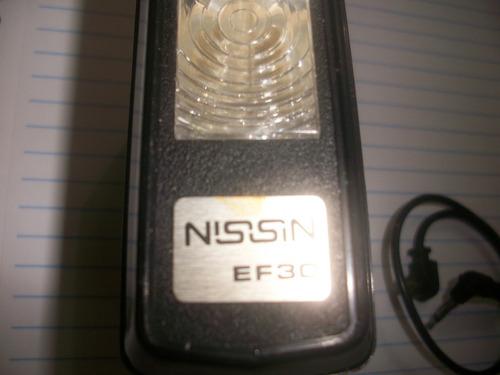 flash nissin  ef 30 com bolsa de couro ,isopor e fio