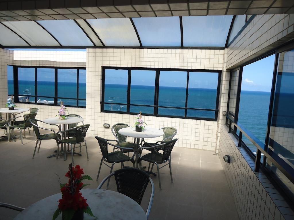 flat com vista para o mar a 50 mts da praia
