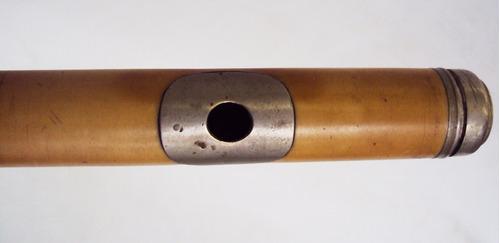 flauta transversal antiga em madeira de ébano e baquelite