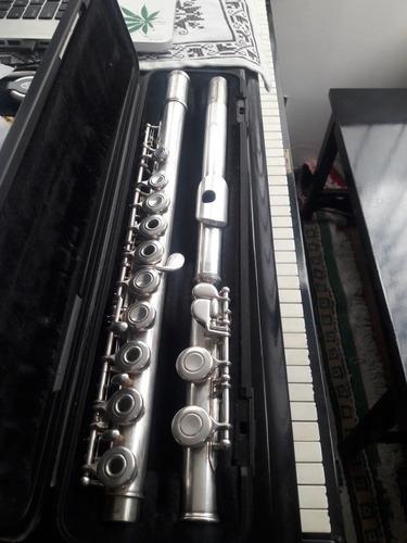 flauta traversa yamaha 285 abierta.