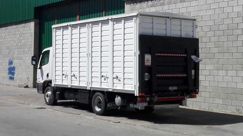 flete transporte mudanza camión con pala hidráulica semis