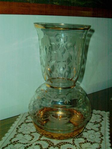 florero antiguo de cristal
