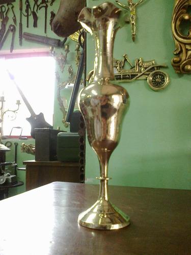 florero indu en bronce macizo alto