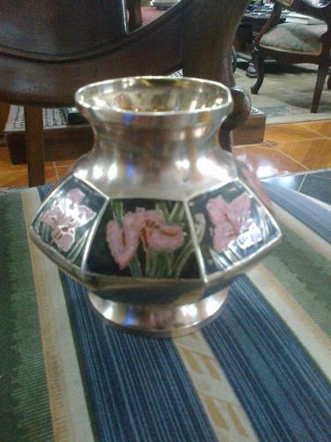 florero indu en bronce macizo de mesa antiguo