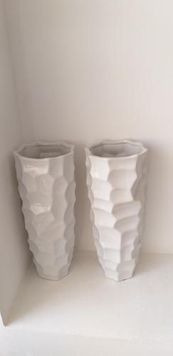 florero jarron blanco