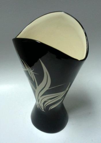 florero porcelana años 50 negro hojas blanco crema