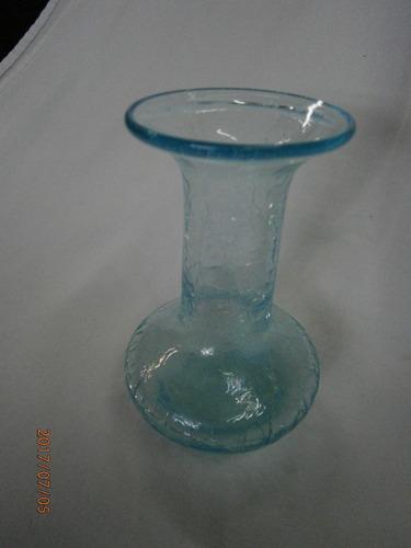 florero solitario cristal azul claro