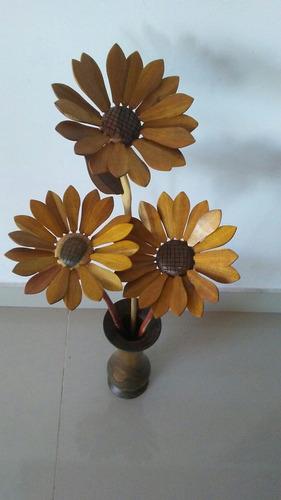 florero y girasoles artezania en madera