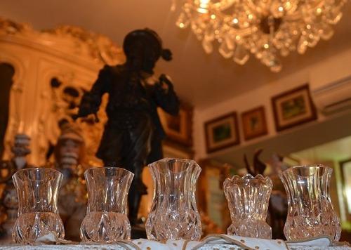 floreros de cristal en miniatura.