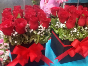 Flores Arreglo Floral 16 Rosas Entrega A Domicilio