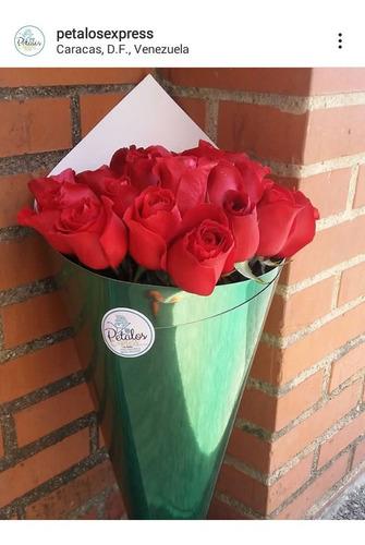 flores en cono...