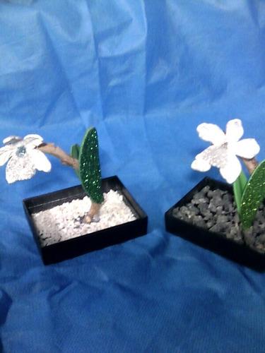 flores en goma eva orquideas en colores varios