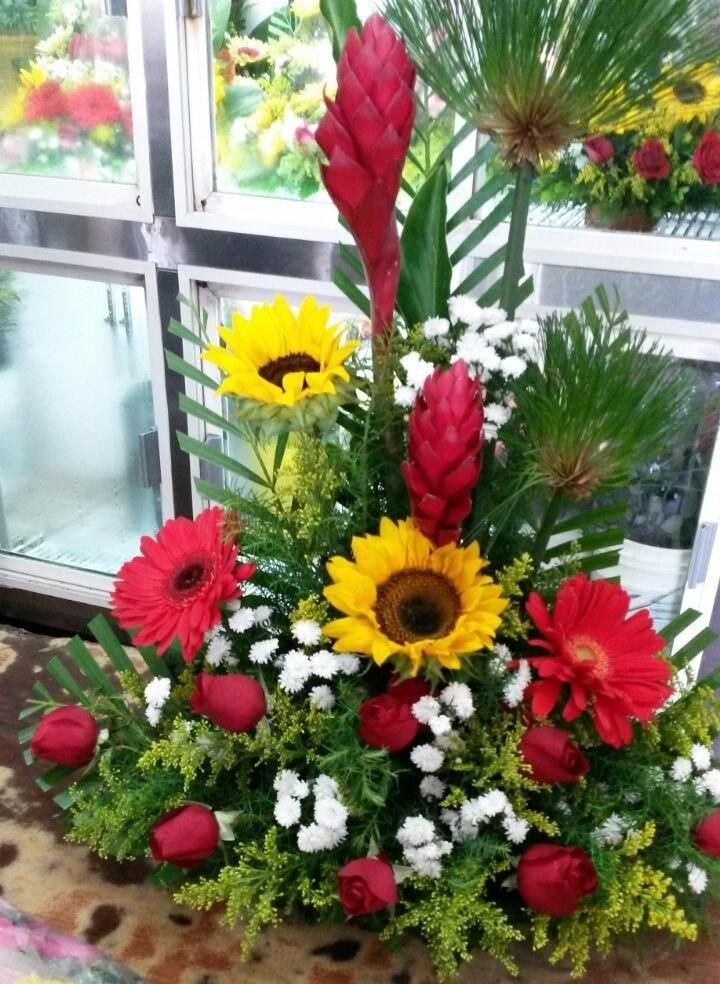 Flores naturales al mayor arreglos florales azucena ca - Centros de rosas naturales ...