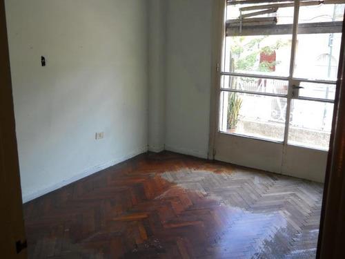 flores - pque.avellaneda - ph tipo casa c/entrada indep.  - zuviria 2600 4 amb - (sin exp.) apto. prof