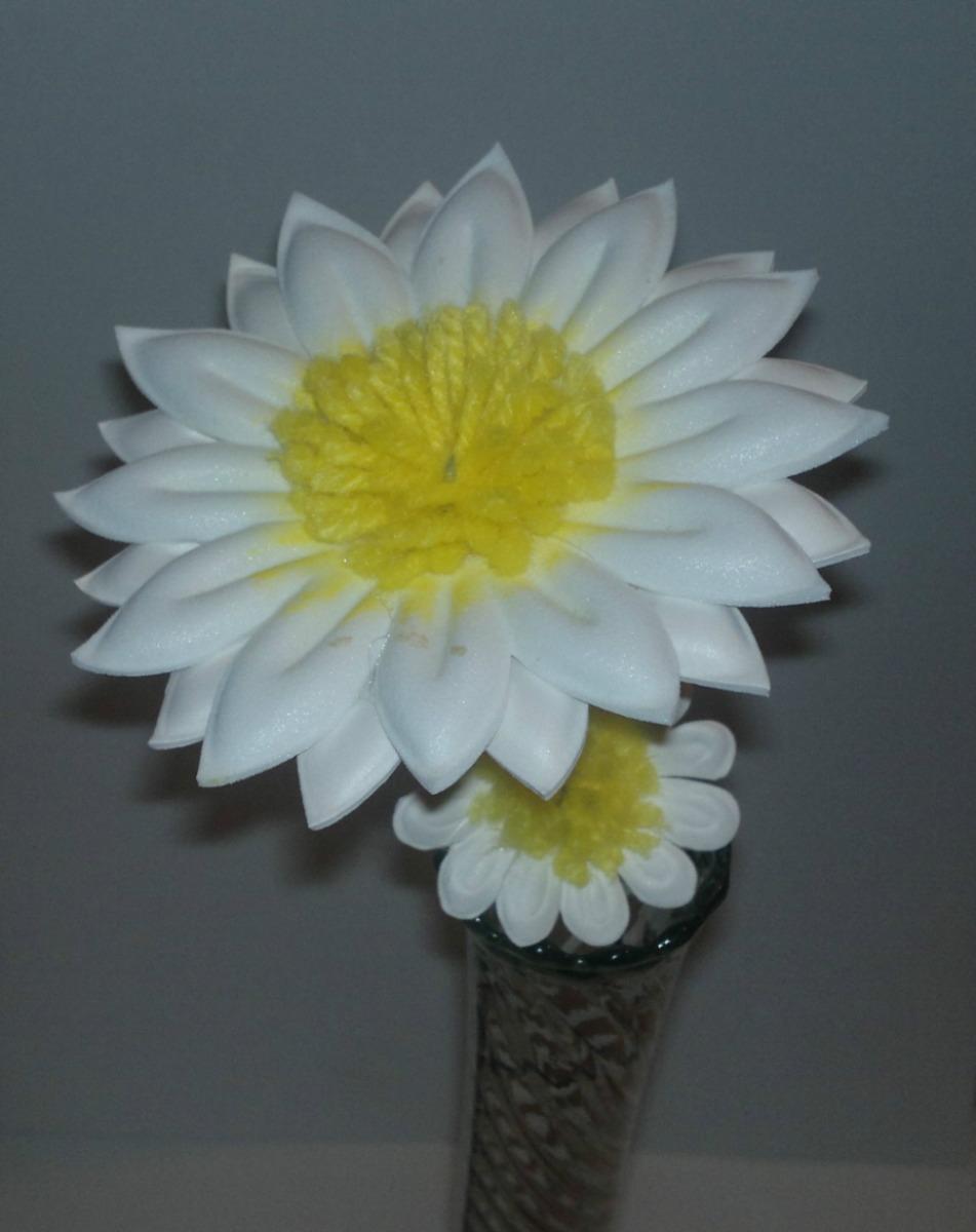 Flores Rosas Crisantemos En Foami Termo Formado Pequeñas - Bs. 3,50 en  Mercado Libre