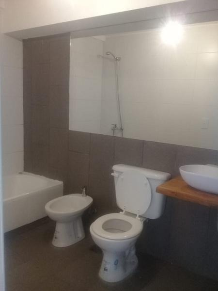 flores - yerbal  2000 -  3 amb c/amenities 65 mts  a estr. fte c/bcon.   -  muy lumin..  apto prof.