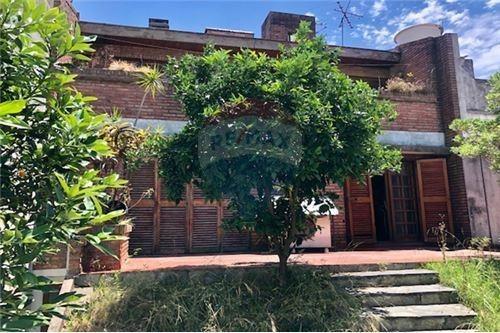 flores,casa 350 m2 en 2 plantas con patio/parrilla