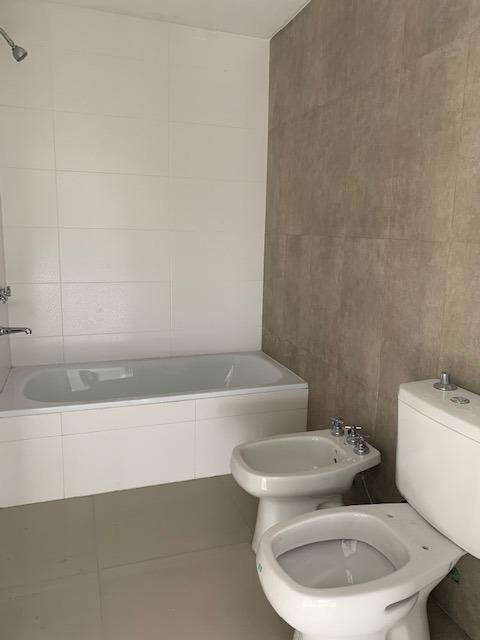 florio, juan 1600 1-a - villa luzuriaga - departamentos 2 ambientes - venta