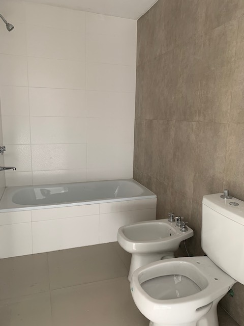 florio, juan 1600 - villa luzuriaga - departamentos 2 ambientes - venta