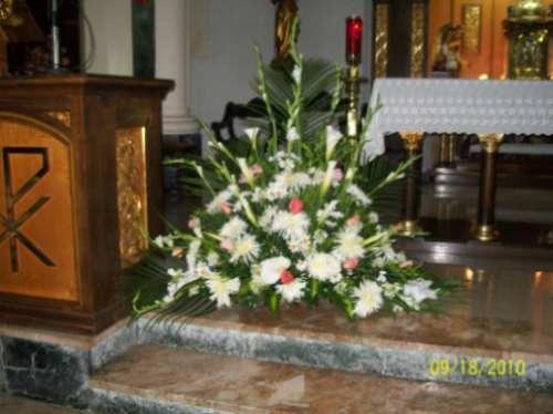 Floristeria Decoracion De Iglesia Con Flores Ramos Florales