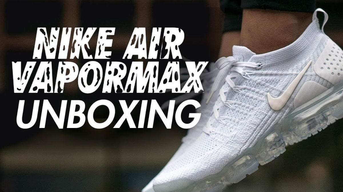 50ef8bef438 Flyknit Nike Air Vapormax 2.0 Triple White - Black Friday - R  679 ...
