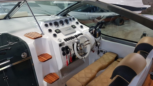 focker 330 + parelha mercruiser 250 hp b3