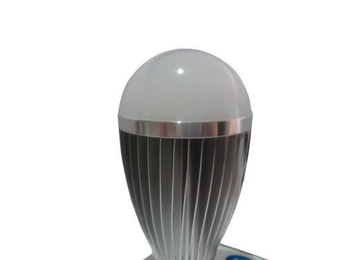 foco bulbo led 7w ahorrador luz cálida e27