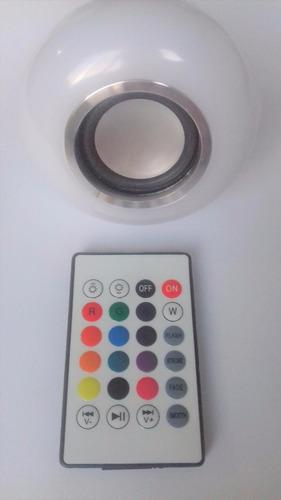 foco led de colores con bocina bluetooth y control