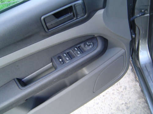 focus 1.6 trend 5 puertas