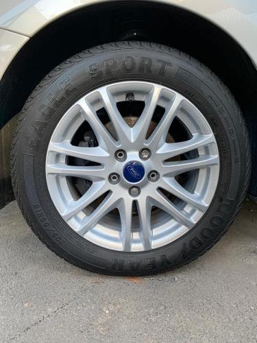 focus 2.0 glx sedan