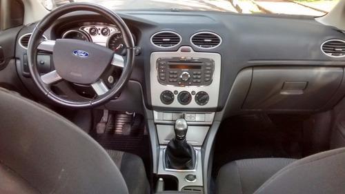 focus hatch glx 1.6 flex  2011  m b c a r