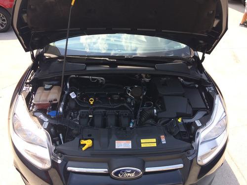 focus sedan 2.0 2014 preto c/30.000km s/detalhe winikar!!!!!