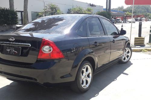 focus sedan titanium 2.0 16v (aut)