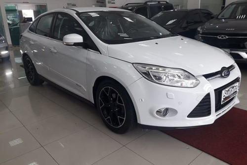 focus sedan titanium plus 2.0 financiamento com socre baixo