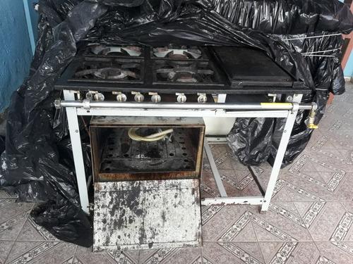 fogão industrial com forno perfeito estado 1.500.00