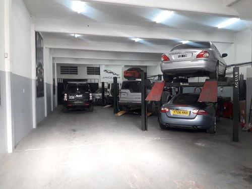 fondo de comercio de taller mecánico de autos alta gama